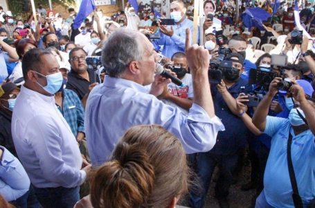 """""""No podemos descuidarnos ni un segundo en las mesas el día de las elecciones"""", pide """"Tito"""" Asfura"""