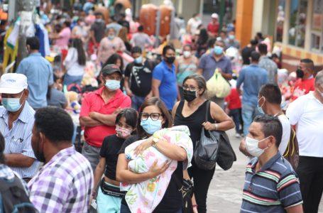 """Nueva cepa de COVID que circula en el país """"es más infectante"""", advierte epidemióloga"""