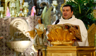 """""""Vivimos en una sociedad postrada, enferma, empobrecida y hambrienta"""": Iglesia Católica"""