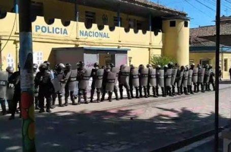 Policías de La Esperanza no tienen ningún requerimiento y fueron rotados del lugar