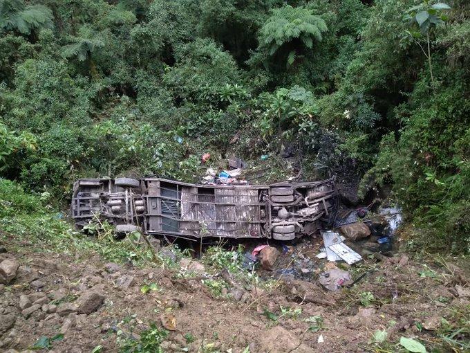 Al menos 21 personas mueren tras un accidente de un autobús en Bolivia