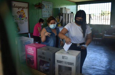 Hondureños cumplen con participar en primarias; CNE falla con transmisión de resultados