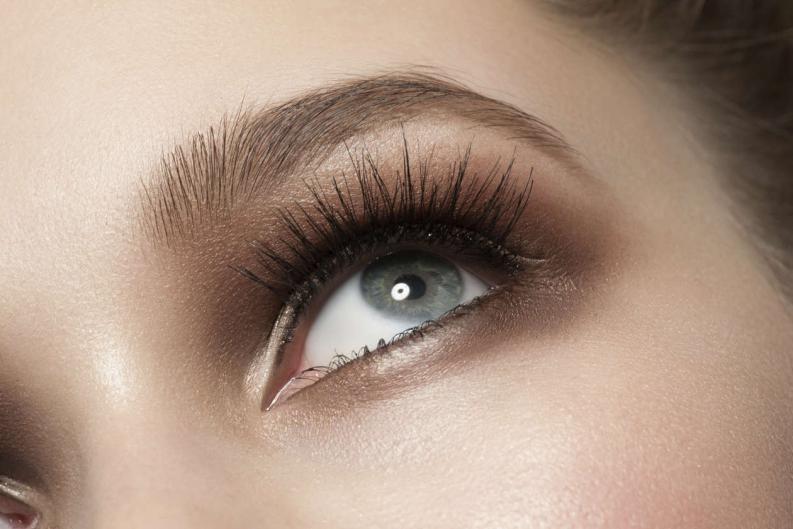 10 cosas que nadie te dijo sobre maquillar tus cejas