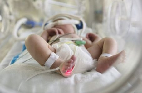 Una bebé de 4 meses entre las últimas muertes bajo sospechas de COVID en la capital