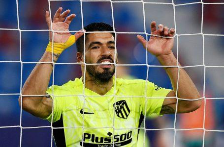 Luis Suárez se lesiona y dispara las alarmas en el Atlético que se disputa LaLiga
