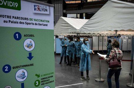 Francia comenzará a vacunar el 15 de junio a todos los mayores de 18 años