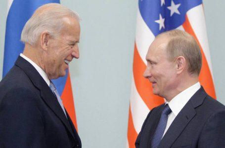 Biden conversó vía telefónica con Putin y propone celebrar una reunión en un tercer país