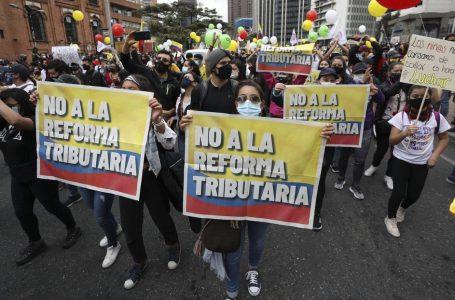 Presidente de Colombia no retirará la reforma tributaria pese a masivas manifestaciones