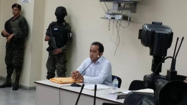 José Ramón Bertetty continuará bajo arresto por caso del IHSS