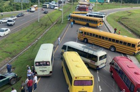 Transporte interurbano anuncia paro nacional martes y miércoles