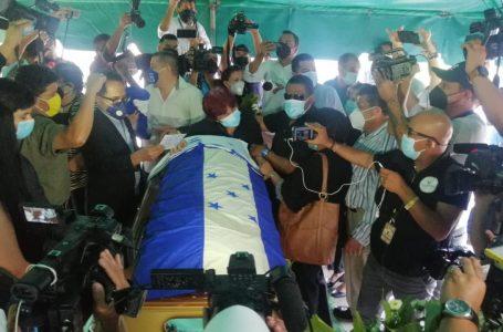 ¡Gracias maestro! Chelato Uclés ya descansa en su ultima morada
