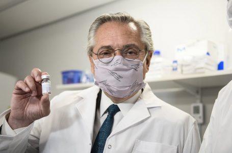 Presidente argentino da positivo a coronavirus dos meses después de recibir la vacuna