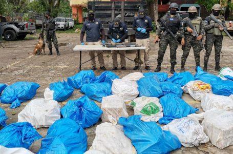Decomisan 911 kilos de supuesta cocaína «XXX» en Colón