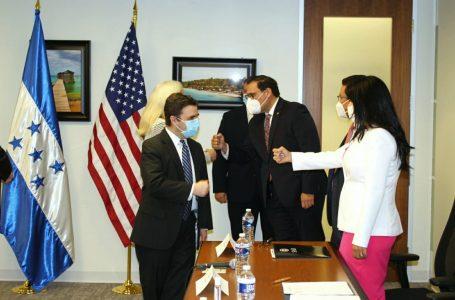 """Estados Unidos seguirá """"trabajando estrechamente con Honduras"""": Ricardo Zúniga"""