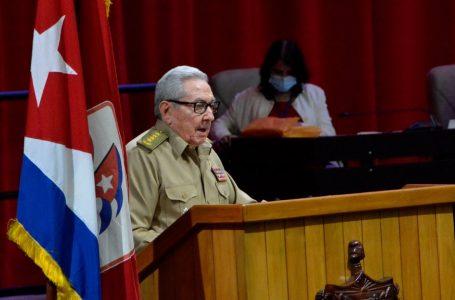 Raúl Castro renuncia a la jefatura del Partido Comunista de Cuba