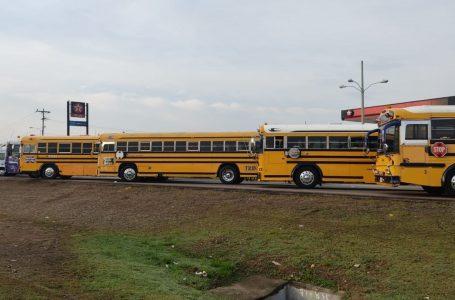 Transporte interurbano paraliza carreteras del país exigiendo cumplimiento de acuerdos