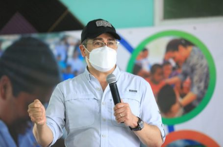 Presidente Hernández pide a los hondureños que accedan a vacunarse contra la Covid-19