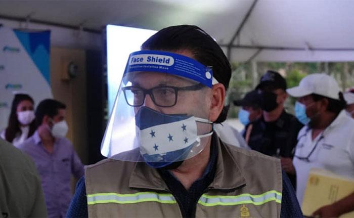 """Técnicamente no están aptos los hospitales móviles, """"pido disculpas al pueblo hondureño»"""