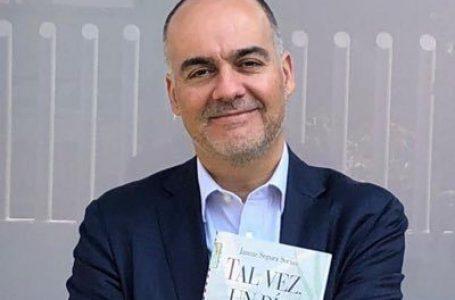 Escritor español Jaume Segura visita Gracias, Lempira para importante conversatorio