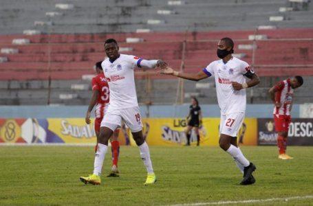 Olimpia goleó al Vida 3-0 y se afianza en la cima de la tabla de posiciones