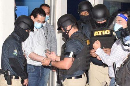 A la cárcel Bográn y Moraes por compra de hospitales móviles