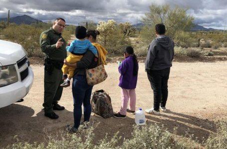 Disminuye apoyo al presidente Biden por tema de niños migrantes