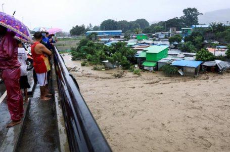 Al menos 95 personas han muerto en las inundaciones en Indonesia