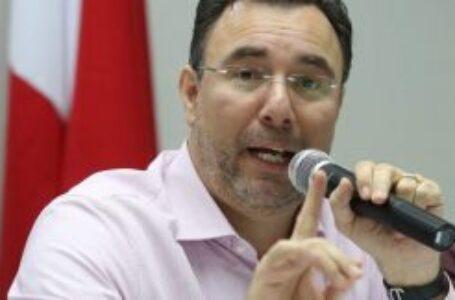"""""""No necesito hacer ninguna gestión, porque su pasado condena a Yani"""": Luis Zelaya"""