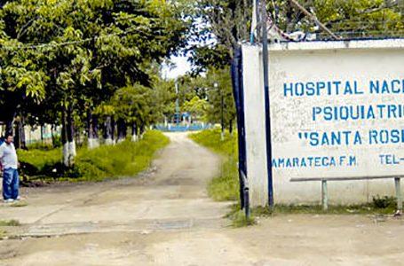 Empleados del hospital Santa Rosita dan positivo a COVID después de ser vacunados con Astrazeneca