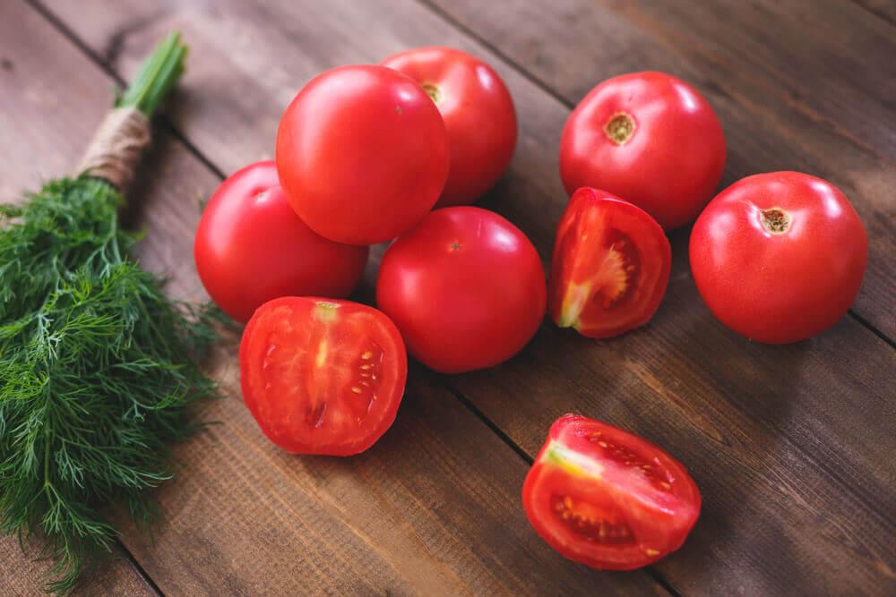Tomates para combatir la presión arterial alta