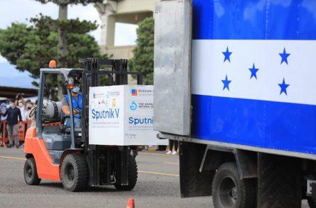 Arriba a Honduras otro lote con 40 mil dosis de la vacuna Sputnik V