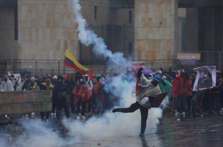 Defensoría del Pueblo reporta 24 muertes y 89 desapariciones durante protestas en Colombia