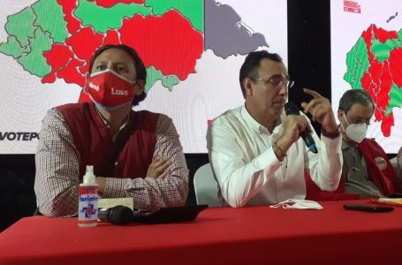 Como una «cachurecada» califica Eduardo Martell juramentación de nuevo CCEPL