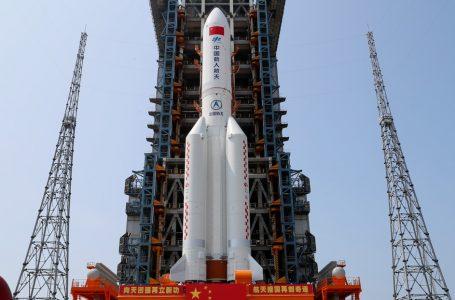 Comando Espacial de EE.UU. rastrea cohete chino que amenaza con caer fuera de control sobre la Tierra