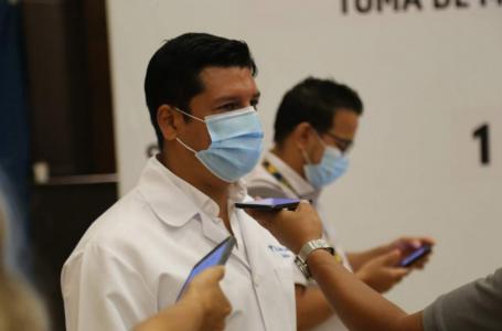 Viceministro denuncia que funcionarios cuestionan su trabajo por defender derecho a la vacuna