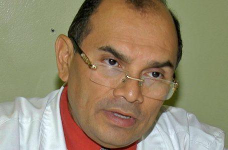 «Opacan la donación de El Salvador con la noticia del cólera» asegura el doctor Denis Chirinos