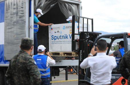 Lote de 40 mil vacunas Sputnik V se refrigerará hasta llegada de segundo componente