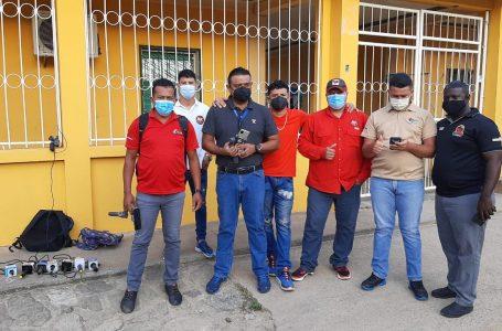 Periodistas de Islas de la Bahía protestan exigiendo ser vacunados contra Covid