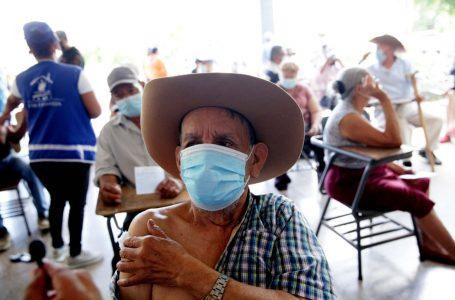 Solo un millón de hondureños llegarían a ser inmunizados contra el COVID-19 este año