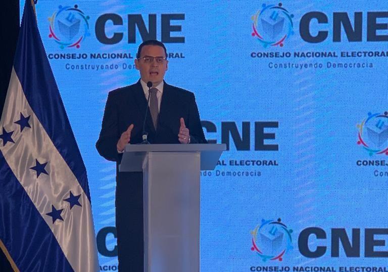 Kelvin Aguirre promete no tomar decisiones unilaterales cuando asuma presidencia del CNE