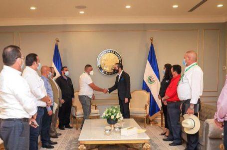 """Alcaldes solicitaron ayuda por sus habitantes, """"no por desafiar al gobierno hondureño"""""""