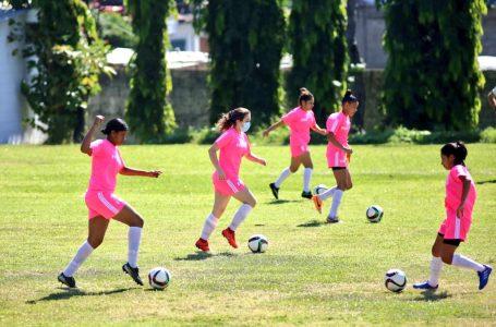 Resurge el futbol femenino en Honduras; anuncian Liga y nuevo técnico de la Selección