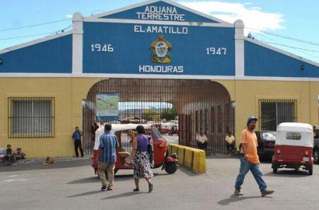 Unos 17 mil hondureños han viajado a El Salvador en busca de la vacuna contra el COVID-19