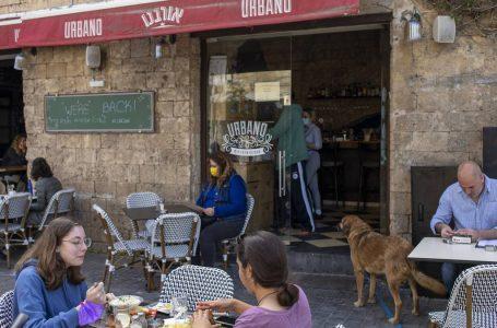Pacientes graves por Covid en Israel baja a menos por primera vez en diez meses