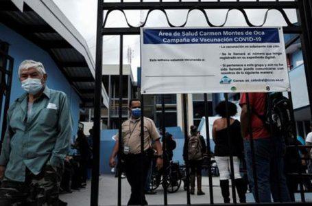 Costa Rica analiza decretar alerta roja por saturación hospitalaria por Covid