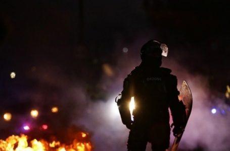 Heridos, disturbios y saqueos en séptimo día de manifestaciones en Colombia