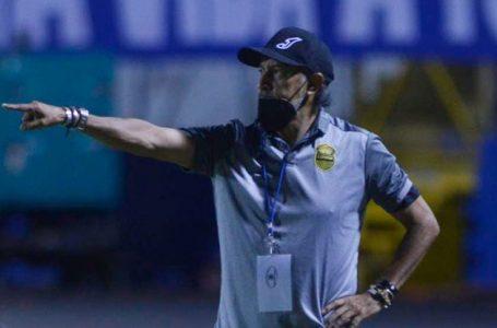 Técnico de Real España calificó el arbitraje ante Olimpia como un «desastre»