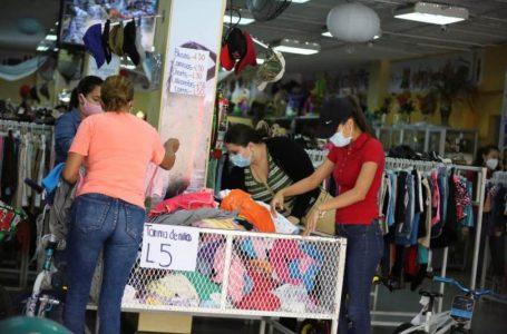 Autoridades descartan incremento en impuestos por importación de ropa usada en Honduras