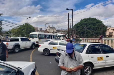 Taxistas protestan a nivel nacional por incumplimiento del Gobierno
