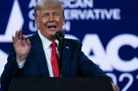 Donald Trump seguirá vetado en Facebook por decisión de la Junta de Supervisión de la red social